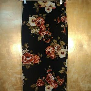 Floral Pencil Skirt in Black